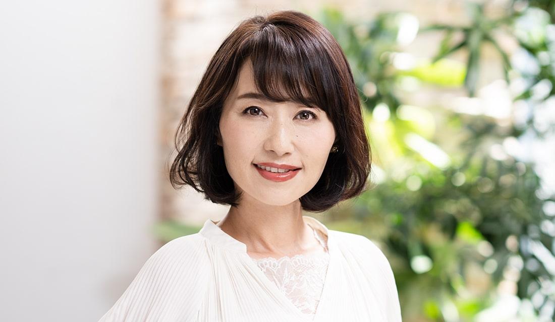 平松亜紅さん(52歳/美容アドバイザー)