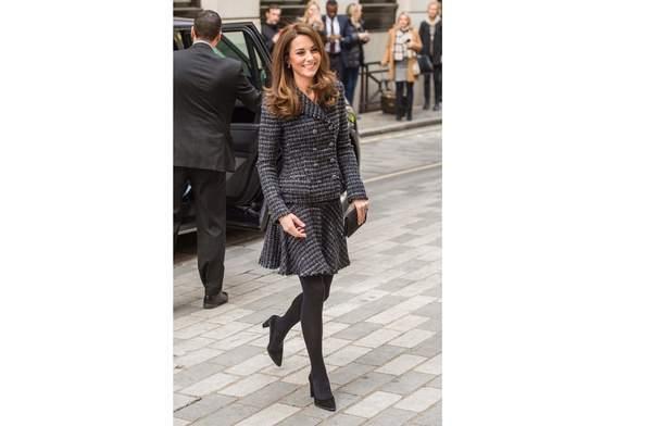 キャサリン妃のスカートスーツ、100足限定のスニーカー、ヌーディな新作ヒール靴など「今週のファッションニュース」5選