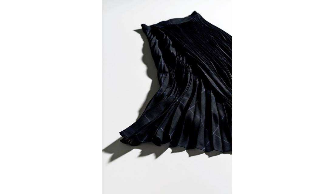 VINCEのスカート