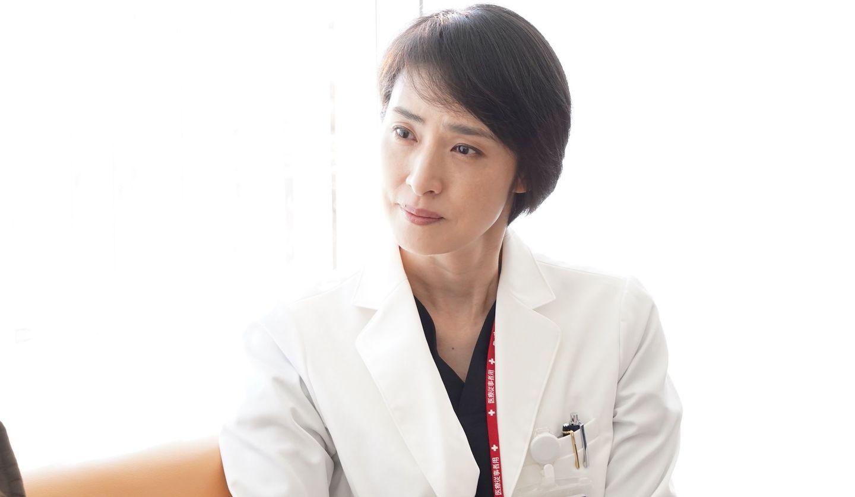 土曜夜10時『トップナイフ―天才脳外科医の条件―』深山瑤子(天海祐希さん) ©日本テレビ