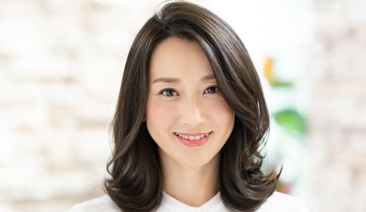 MINX銀座店 ディレクターの八木花子さんが手がけたミディアムヘア