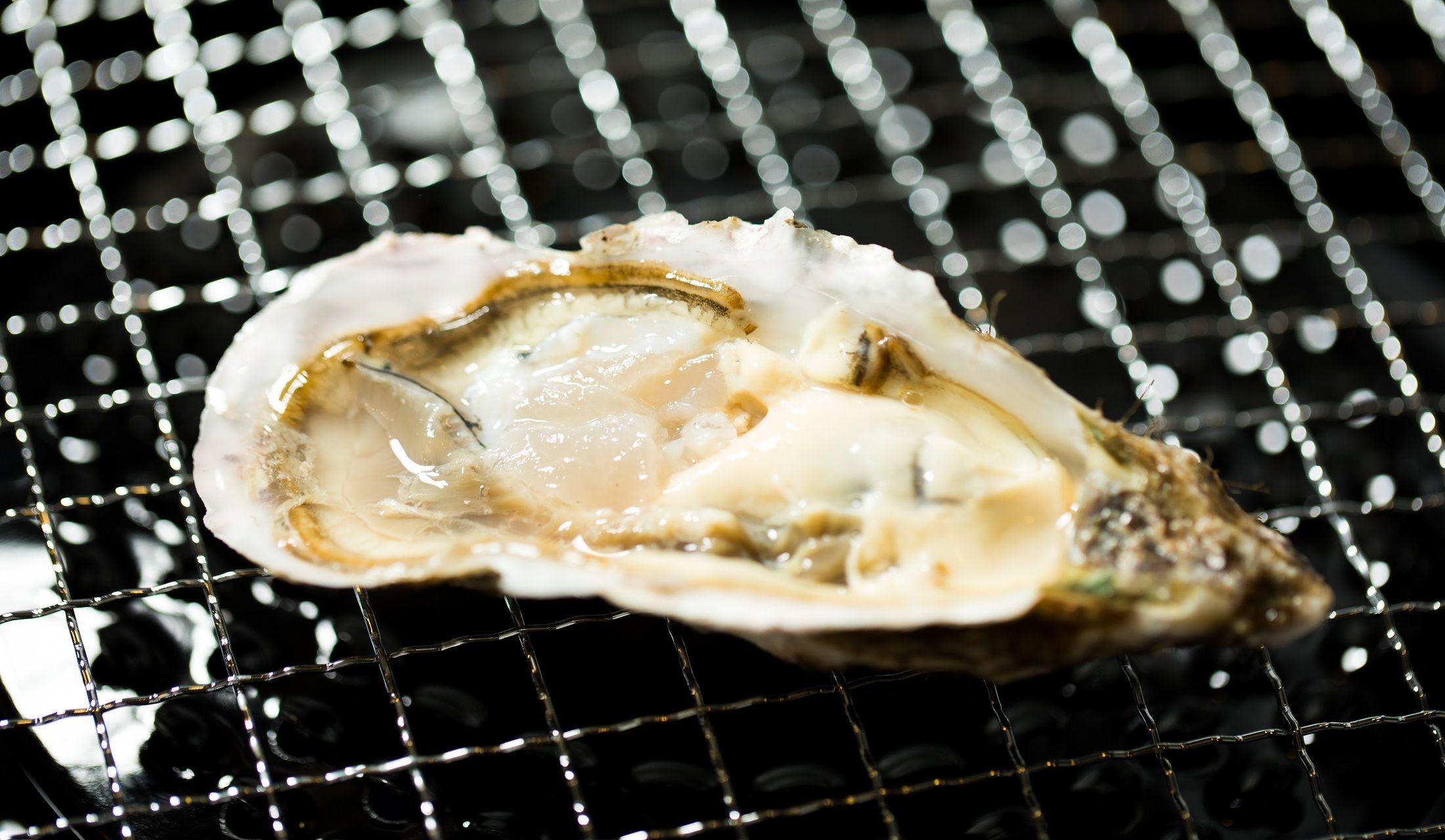 焼き牡蠣の写真