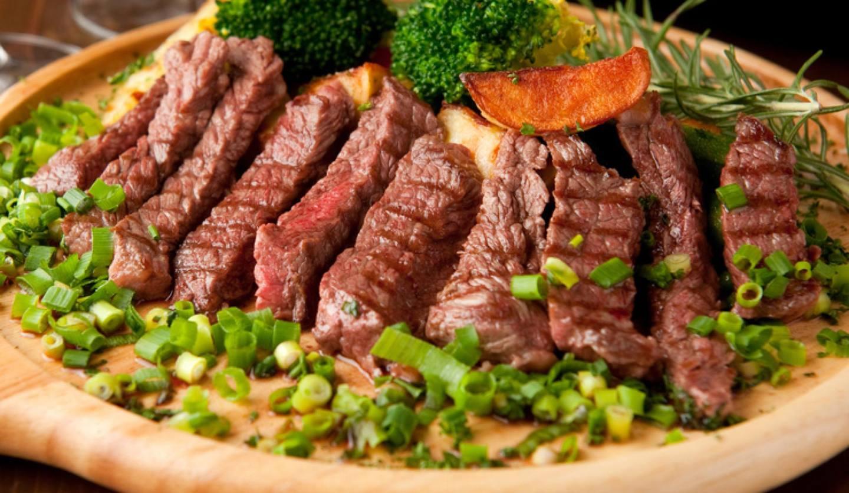 アジオイタリアンダイニングの肉料理