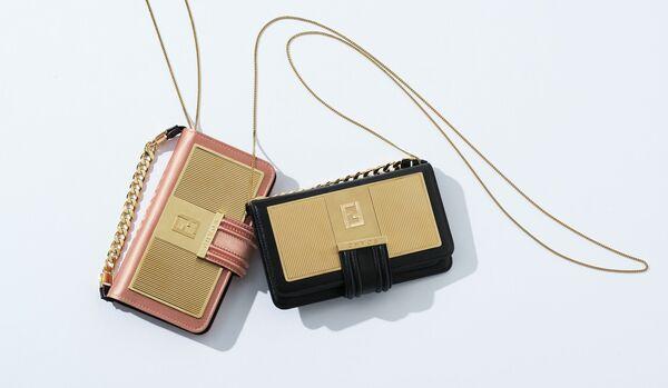 3WAYで使える!フェンディのiPhoneケースは機能的で華やかなデザインが魅力