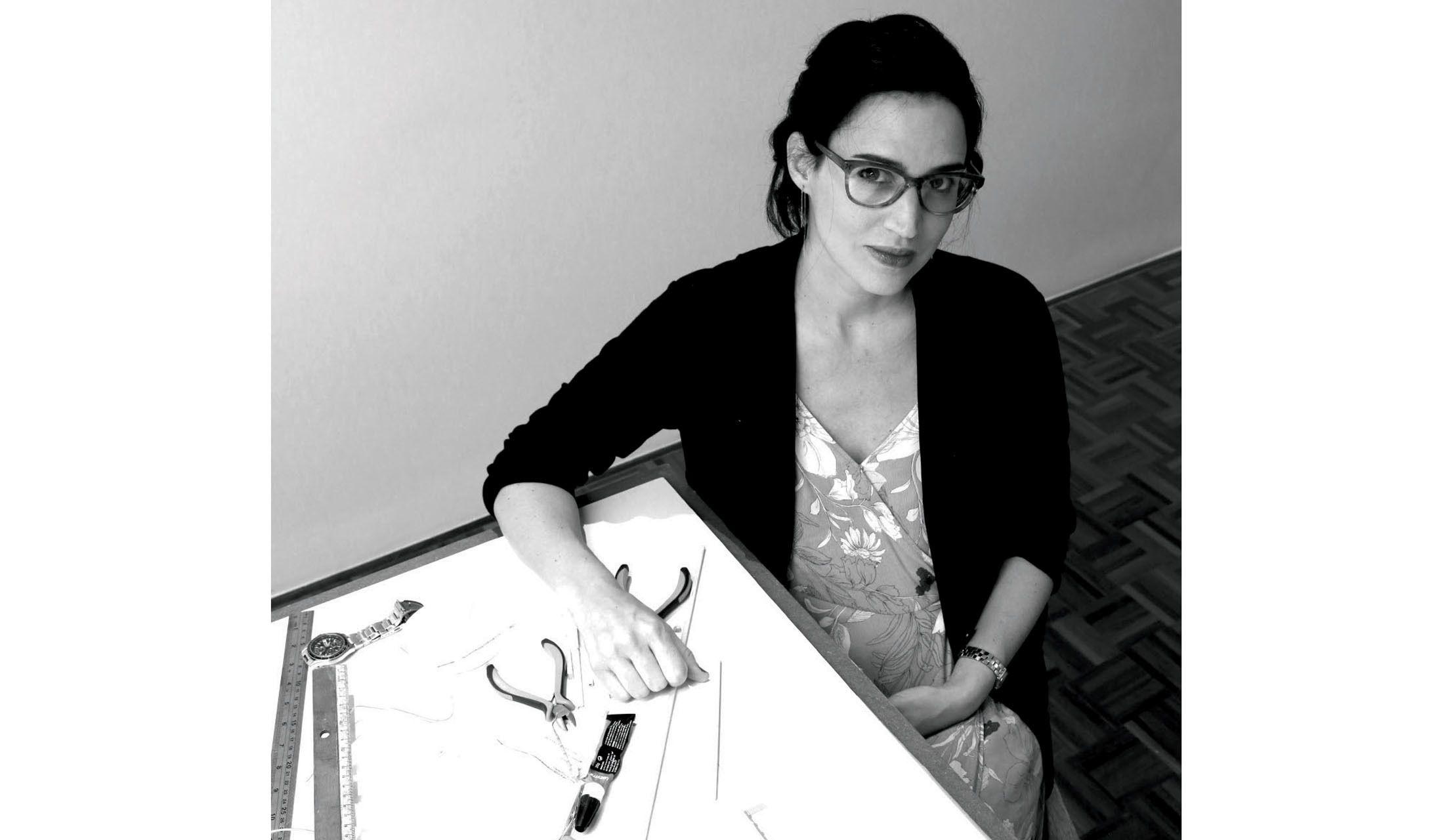 オフィスでのカルラ・ジュアサーバさん