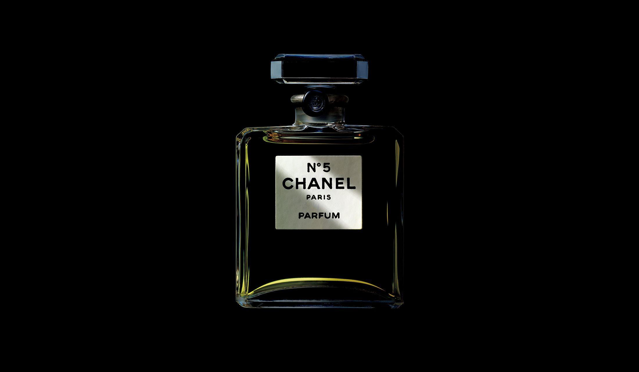 100周年を迎えるシャネルの香水「シャネル N°5」