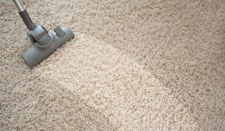 カーペットやラグの手入れ・掃除法|正しい掃除機のかけ方や洗濯法、汚れの落とし方