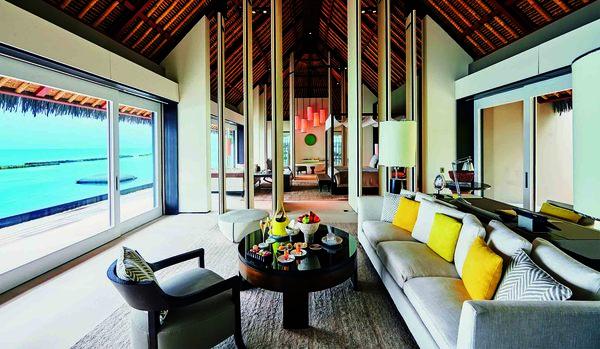 LVMHグループが手がけるモルディブのリゾートには、大人の欲望を満たすすべてが揃う