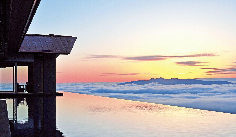赤倉観光ホテルのアクアテラスから見た雲海