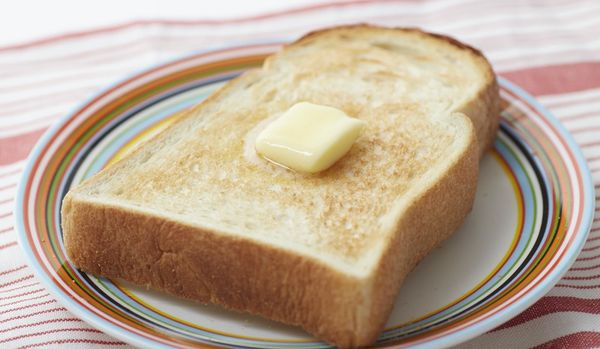「最高のトースト」を味わえる!アラジンの高級トースター開発秘話