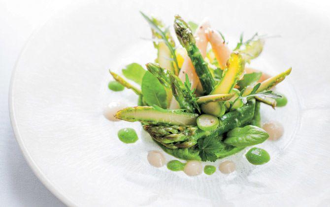 フランス、プロヴァンス地方のオーベルジュ「ラ・バスティード・ド・ムスティエ」の料理例