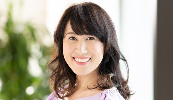 BEAUTRIUM PENINSULA店の副店長・小山 貴さんが手がけたミディアムヘアの女性