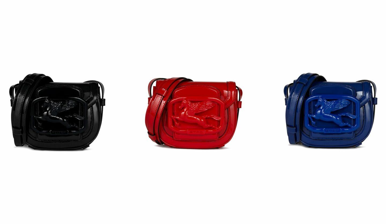 同色のペガサスバックルが付いたエトロの新作バッグ