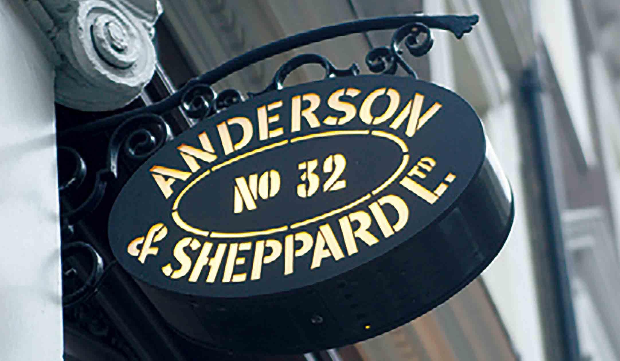 アンダーソン&シェパードの看板