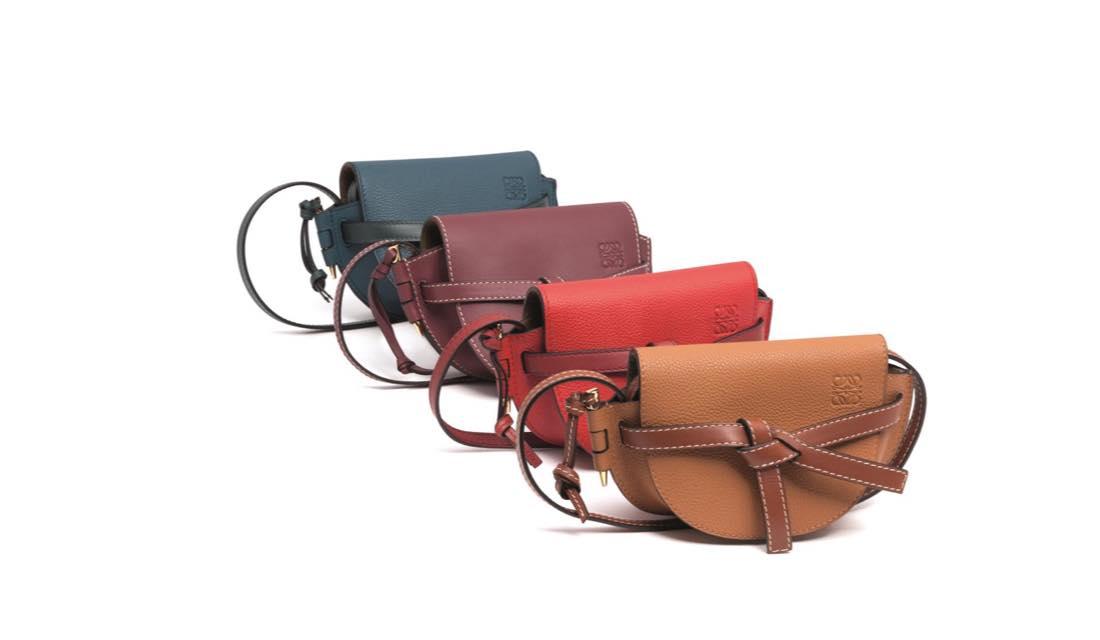 ロエベから2018年秋発売された「ミニ・ゲート」バッグ