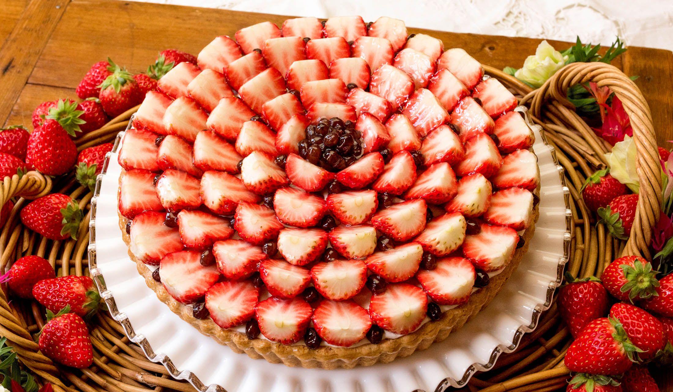 フルーツタルト専門店「キル フェ ボン」のイチゴと小豆クリーム 白ごまの香り
