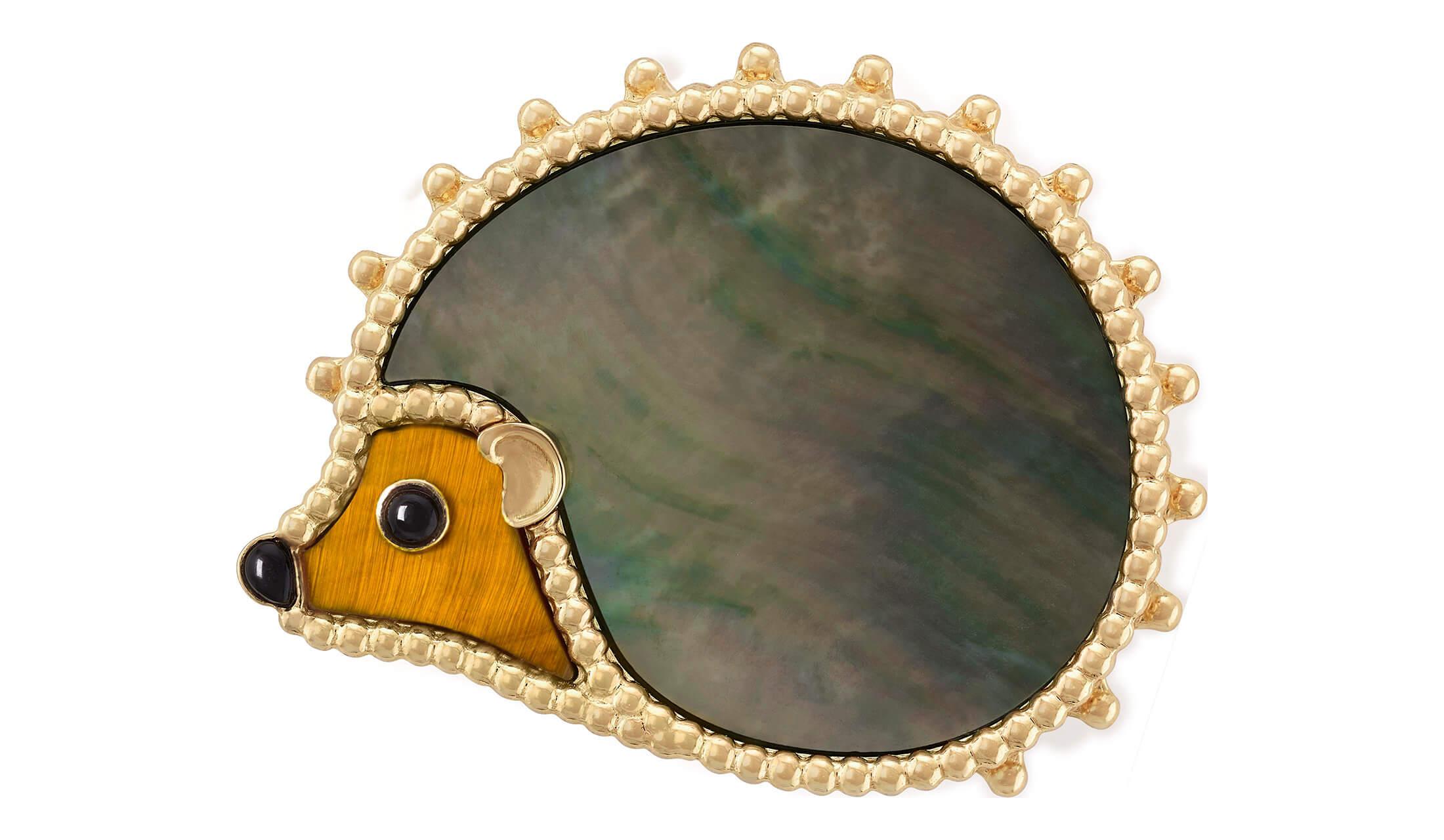 ヴァン クリーフ & アーペル「ラッキー アニマルズ」コレクションのハリネズミのクリップ