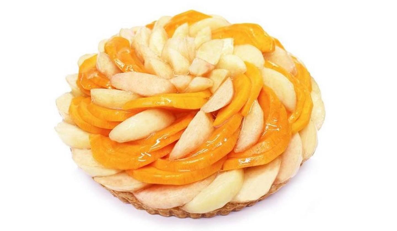 カフェコムサの桃のタルト