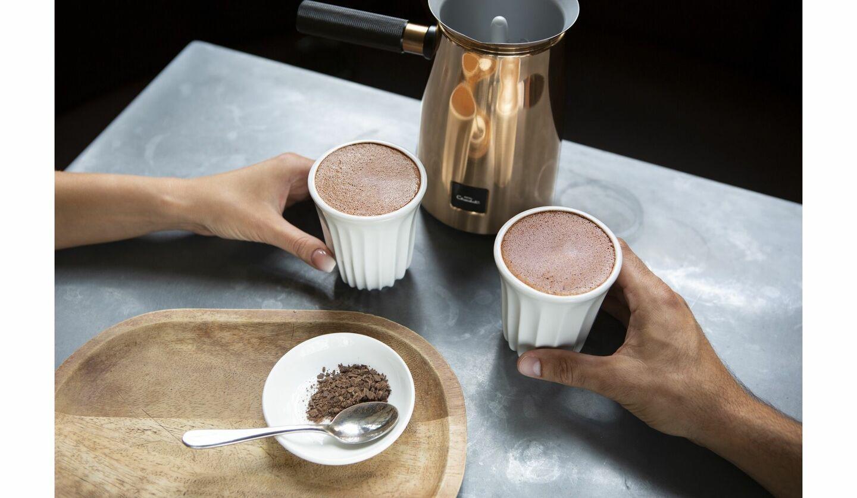 イギリス発カカオブランド「ホテルショコラ」から発売するチョコレートドリンクメーカー「Velvetiser(ベルベタイザー)」