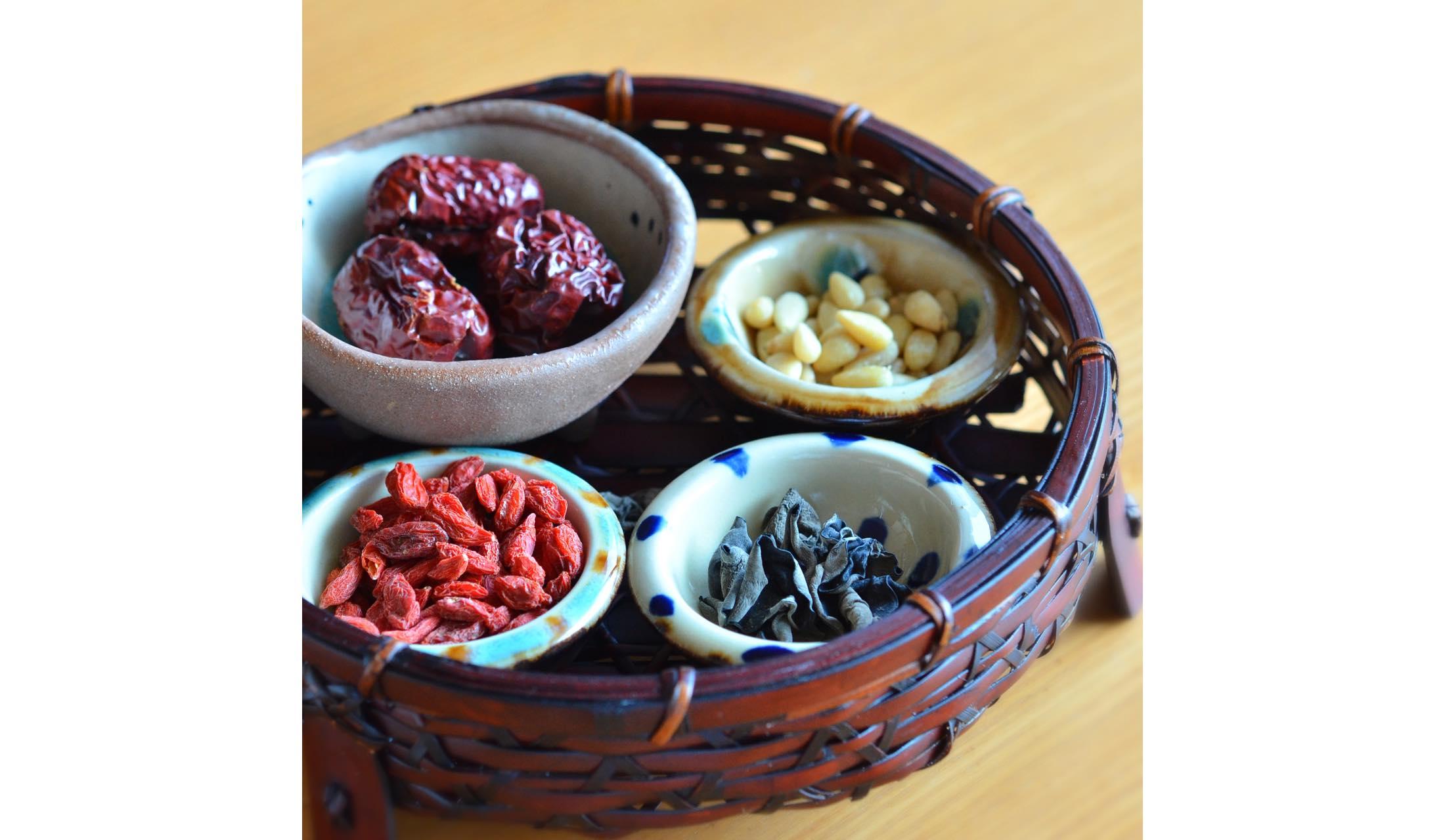 薬膳火鍋に使用する香辛料、生薬