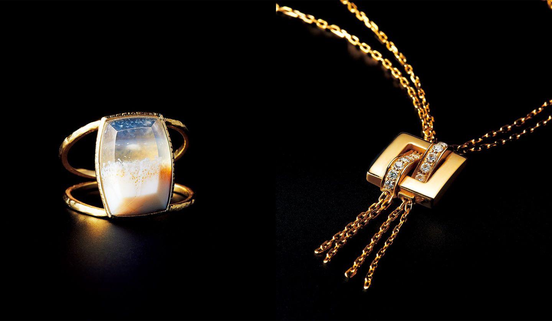 「ブシュロン」のネックレスと「リニエ」のオパールリング