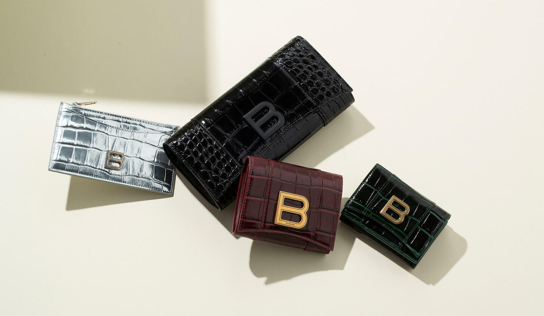 バレンシアガの新作財布「アワーグラス」