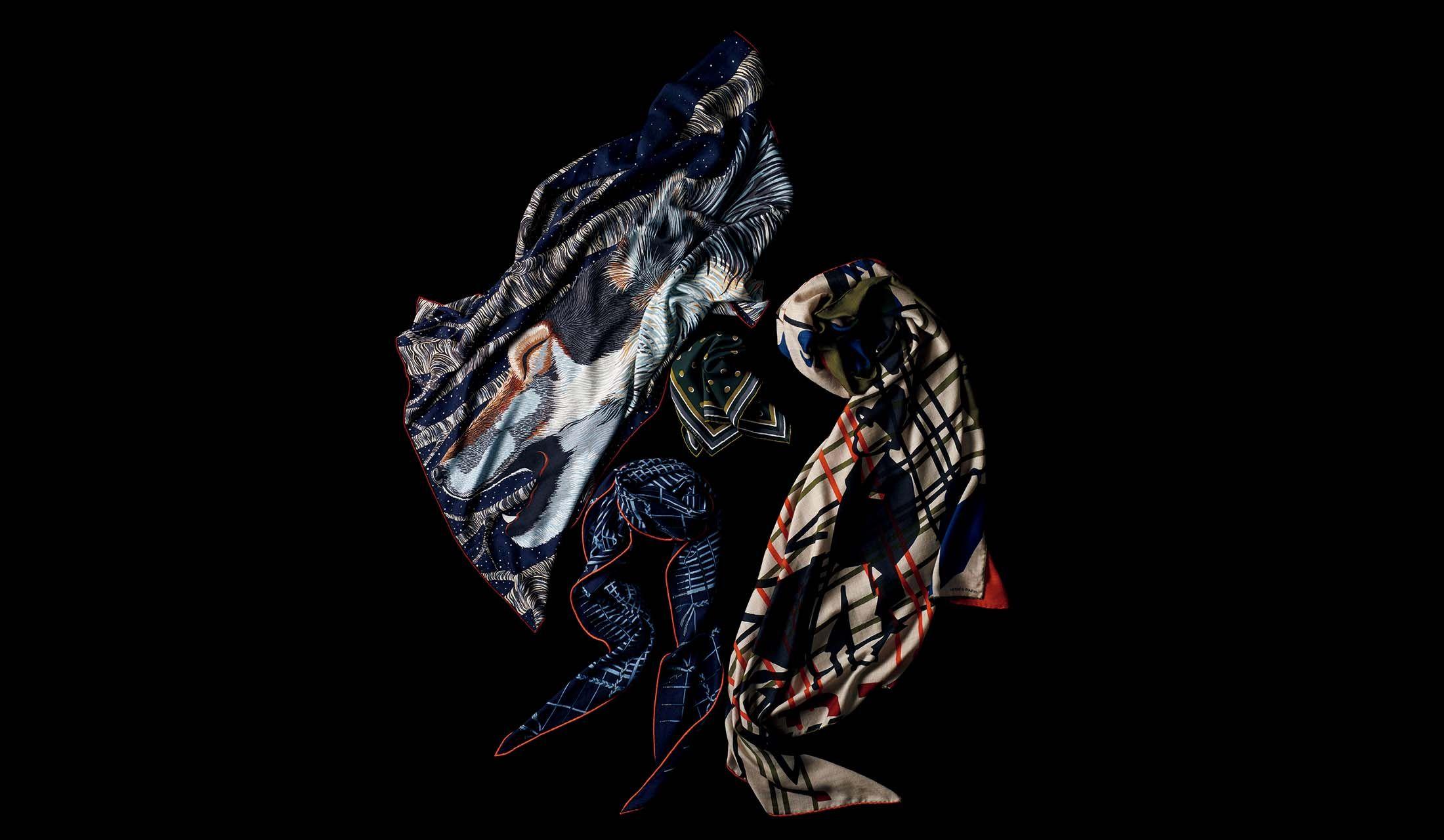 エルメスのスカーフ「カレH『アゥ~~』」、「ポケットチーフ『エクリプス』」、「カレH アンプリムール・フー『リキッド・パズル』」、「ロザンジュ『アンプラグド』」