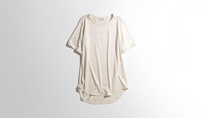 ミカコ ナカムラの白Tシャツ