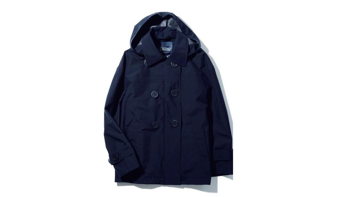 ヘルノの「ラミナーコレクション」から、ネイビーの新作フーテッドコートが登場