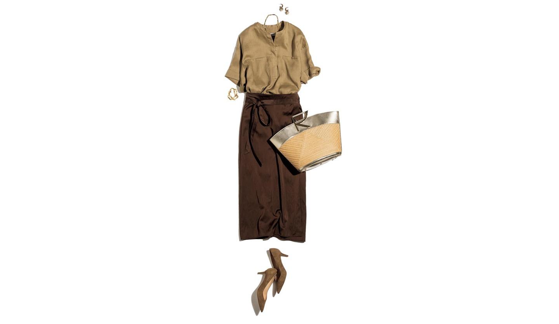 エッセン・ロートレアモンのサンドベージュのリネンローンシャツとスカートのコーデ