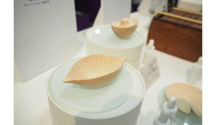 「進化する粋 東京手仕事展」江戸木彫刻 しずくの香り