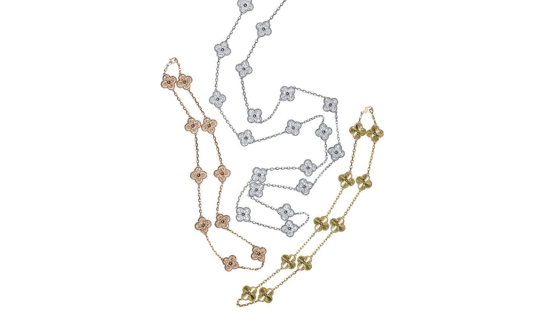 ネックレス『ヴィンテージ アルハンブラ』 左から/10モチーフ[RG]・20モチーフ[WG×ダイヤモンド]・10モチーフ[YG](ヴァン クリーフ&アーペル)