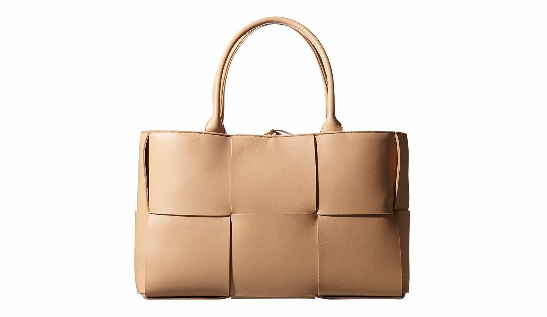 ボッテガ・ヴェネタのバッグ『ザ・アルコ トート』