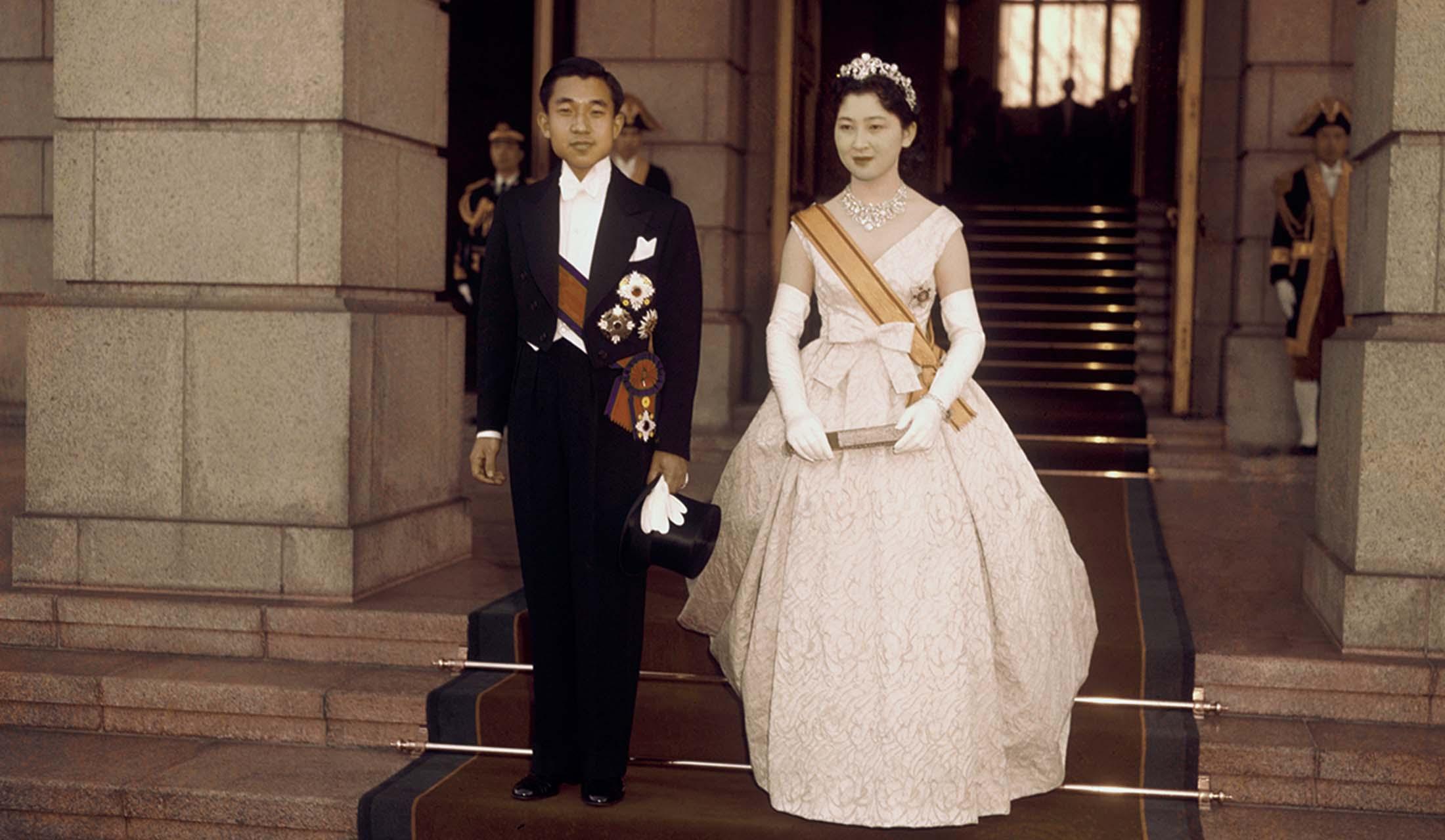 貴重な写真で振り返る!皇后美智子さまの「エレガンスの歴史