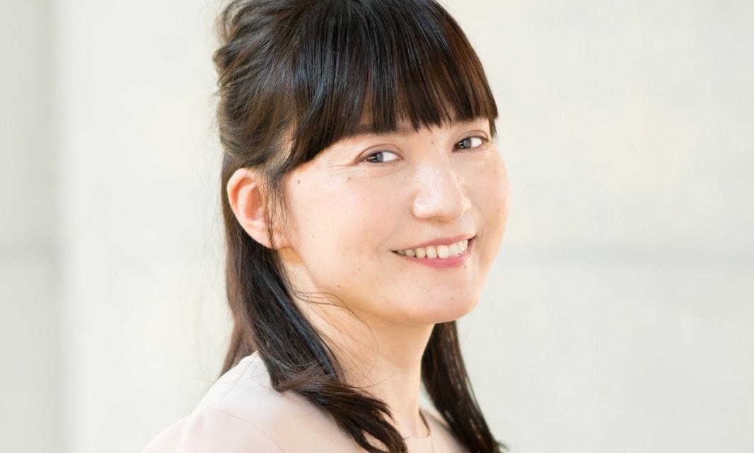 美容室・Double副店長の西村光太郎さんが手がけたミディアムヘアの女性
