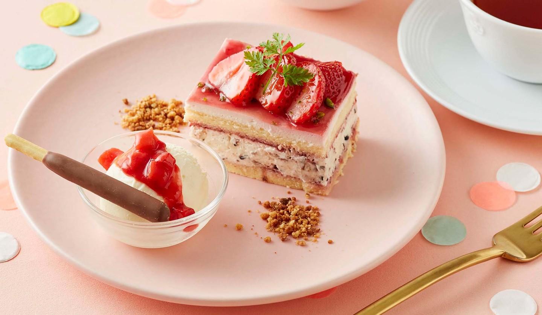 ポッキー初の公式カフェスイーツの苺とポッキーのショートケーキ