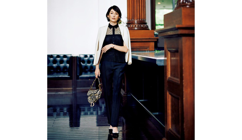 石川亜沙美さんによる「ディオール」のパンツを用いたコーディネート