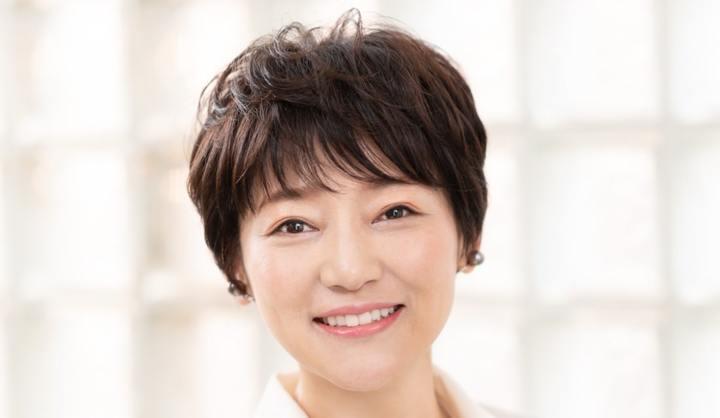 丸顔のショートヘア代表:中野りょうこさん(49歳/茶道家)