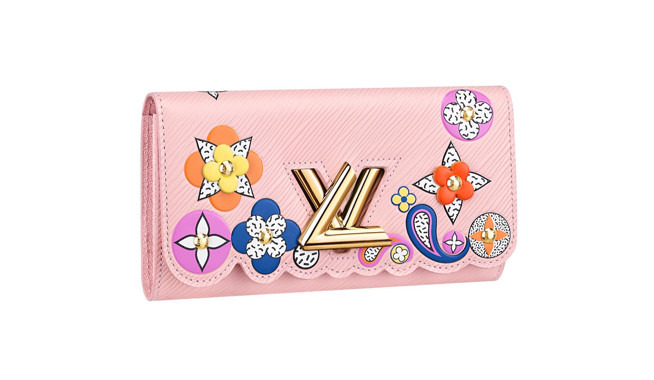 ルイ・ヴィトンのピンクの新作長財布