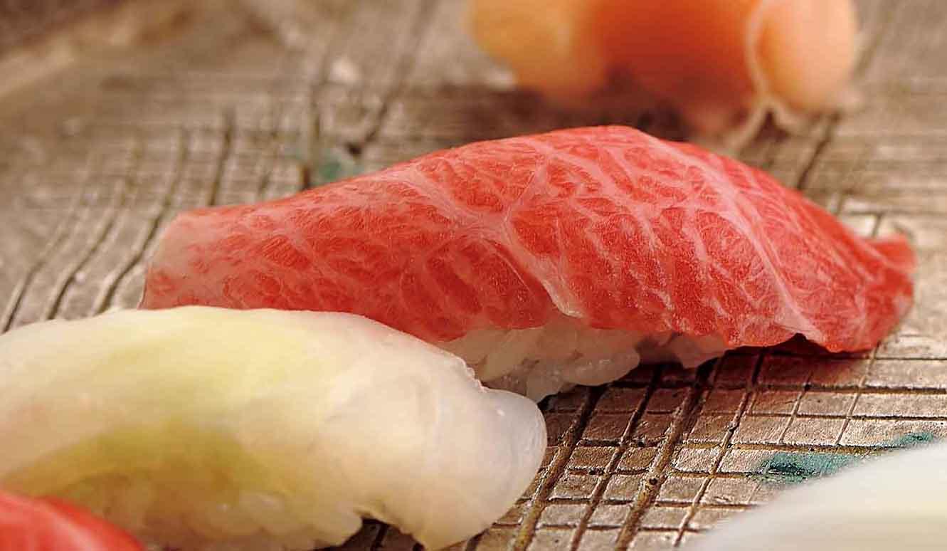 魯山人が愛した「銀座久兵衛」の寿司