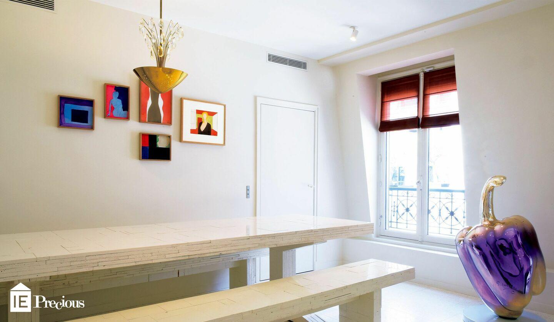 アートディーラーファビアーニ美樹子さんの光とアートに包まれた家