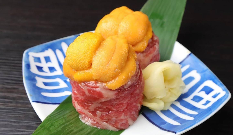ウニとお肉の寿司