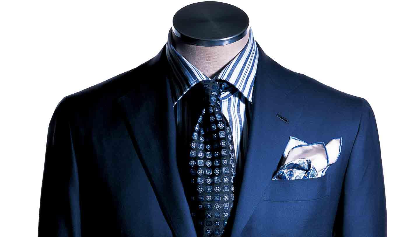 スーツのバストアップ