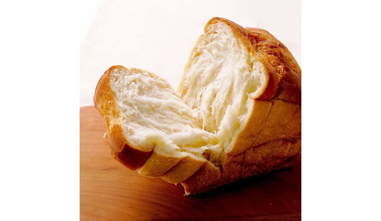 割れた食パン