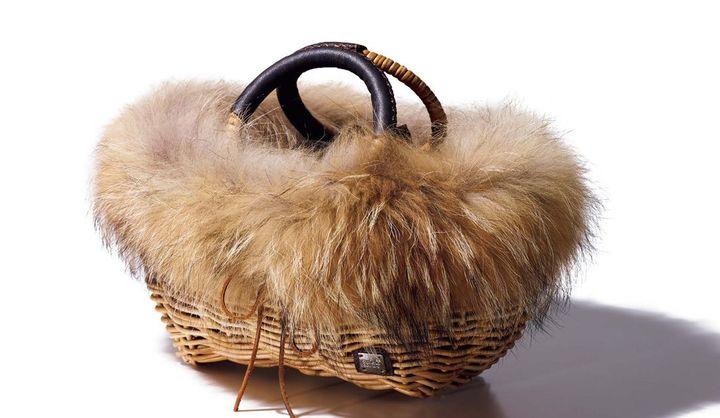 アシーナ ニューヨークのファー付きカゴバッグ
