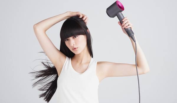 髪と頭皮がより乾きやすく!ダイソンのヘアドライヤーに「新モデル」が登場