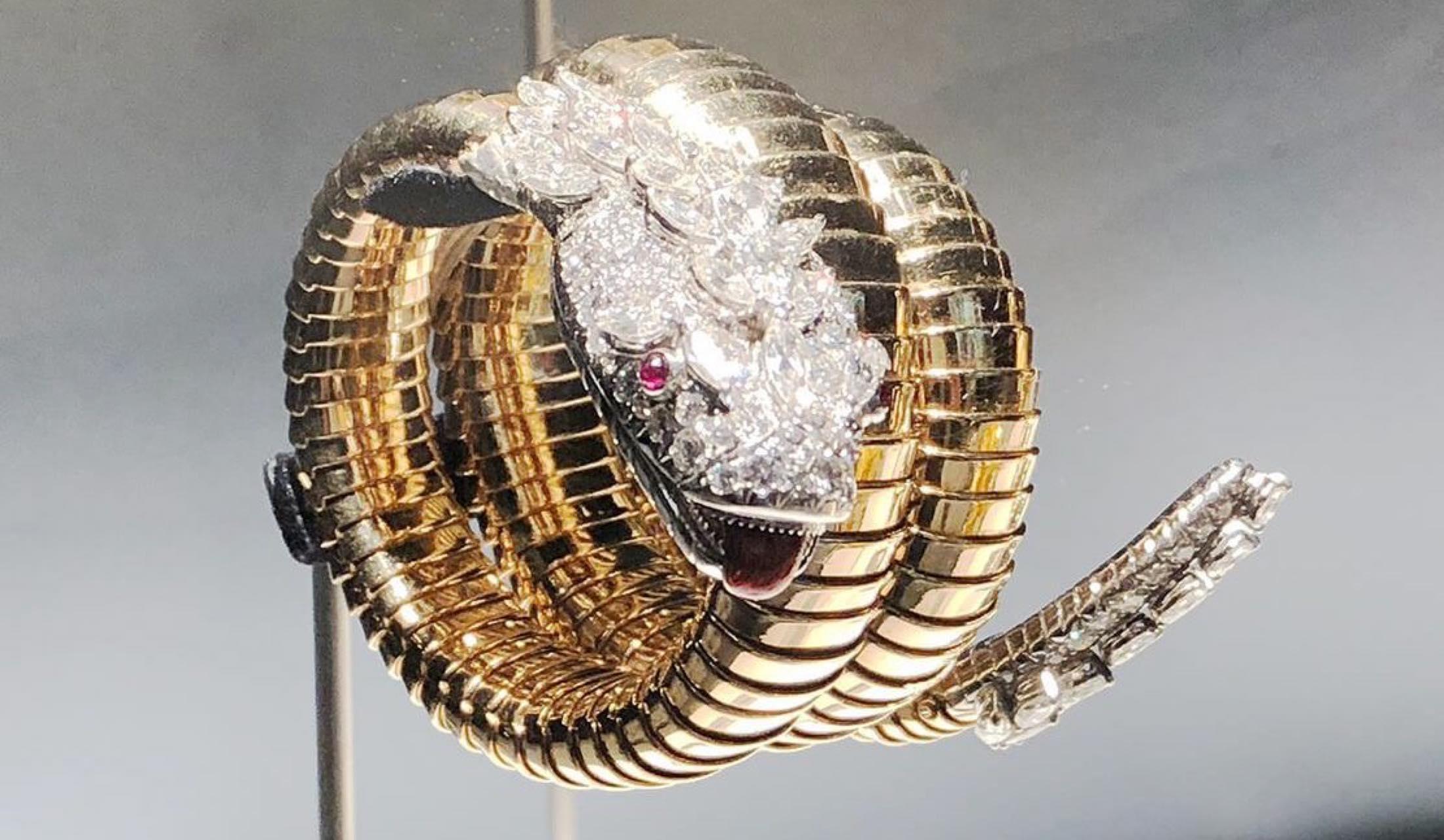 「ブルガリ セルペンティフォーム アート ジュエリー デザイン」の初期の時計たち