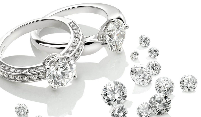 BVLGARI(ブルガリ)のダイヤモンドリングとダイヤモンドの粒