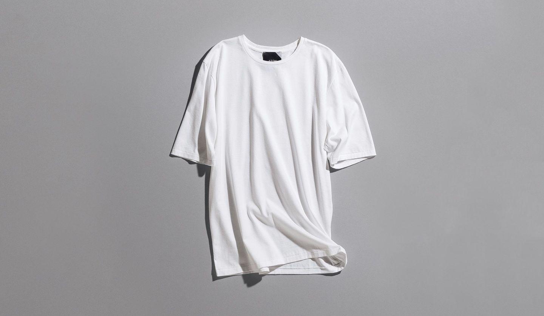 エイトンの白Tシャツ
