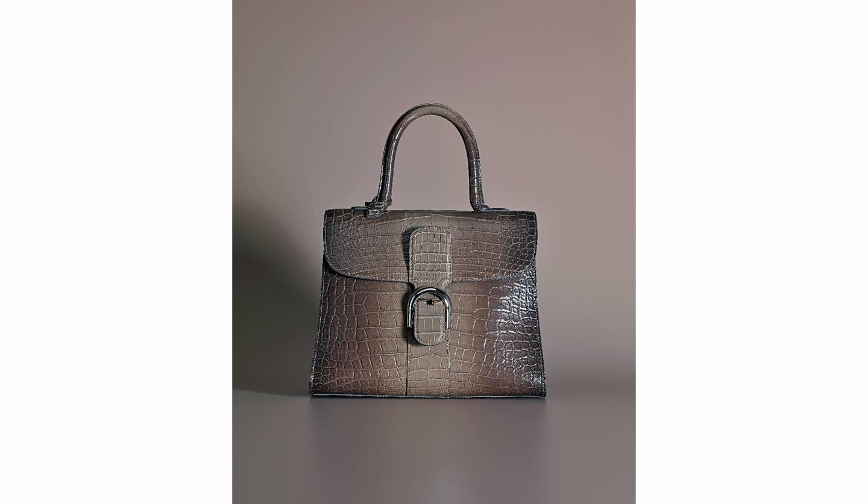 バッグ[縦21.5×横29×マチ13.5cm]¥2,559,000(デルヴォー・ジャパン)
